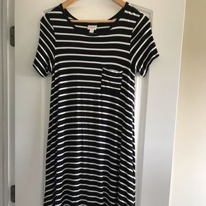 Like new LuLaRoe black/white dress. Size xxs.